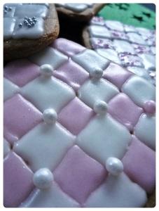 Eleganckie świąteczne pierniki w kształcie kwadratów