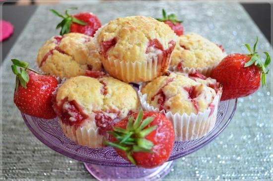 Muffiny jogurtowe z truskawkami